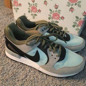 Nike Air ~ never worn